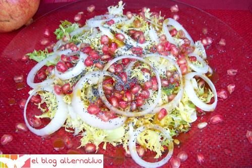ensalada escarola - Ensalada de escarola con granada, semillas de amapola y  vinagreta dulce