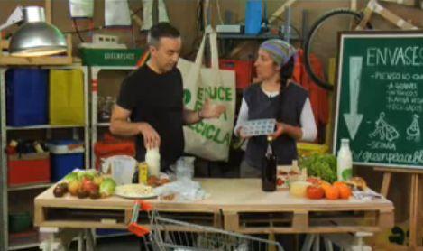 reduce envases en tu compra - Generar menos basura en nuestras compras. Vídeo de Ecomania Green Tv