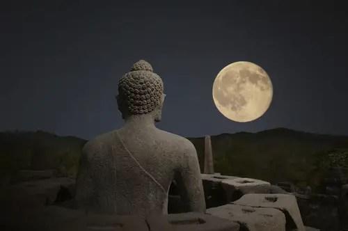 Depositphotos 105243812 s 2015 - El festival de WESAK: la luna más potente del año