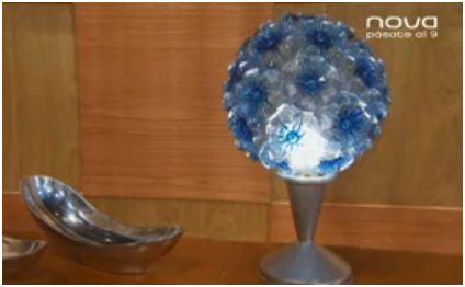 lampara con botellas de plástico