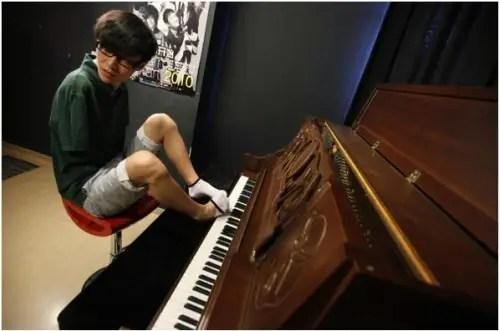 pies2 - liu wei pianista pies