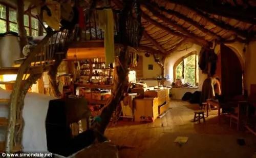 Hobbit-Home-02