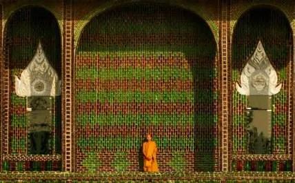 el templo del millon de botellas - el templo del millon de botellas