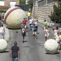 mataelpino - Esferas gigantes para sustituir a los animales en los encierros