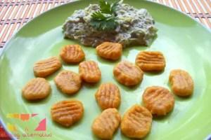 noquis - Receta de ñoquis de calabaza con salsa de puerros y setas