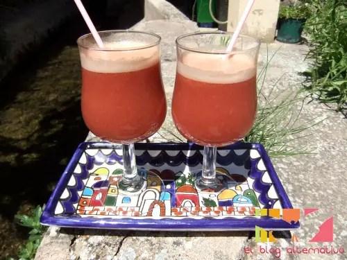 zumos - zumo de frambuesa, manzanas y melocotones