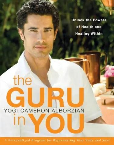 yogi cameron - YOGA, MODA Y GUERRA, la historia de Yogi Cameron: reinventarse y ayudar a los demás
