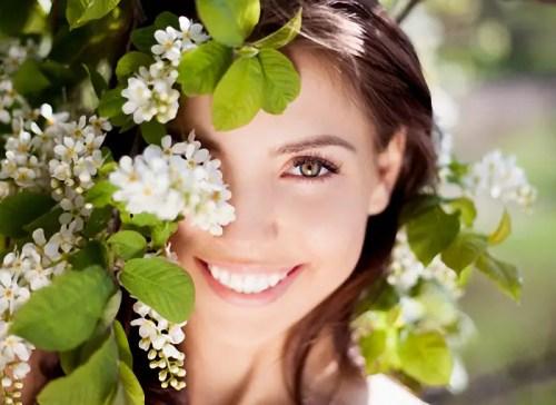 Cuidados dientes en verano - beautiful woman