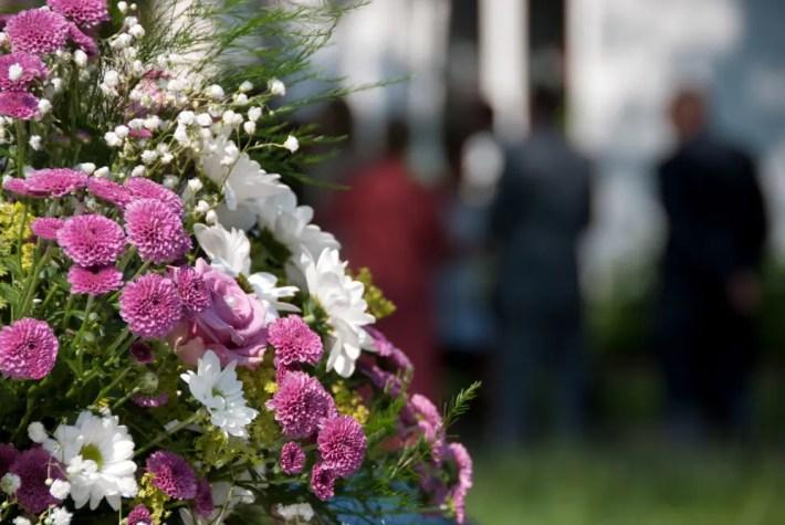 ramo flores - Aumento del comercio electrónico en flores para funerales
