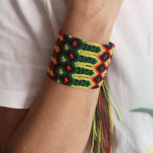 pulsera trenzada artesanal