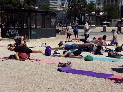 clase de yoga por parejas, día internacional del yoga, madrid 2015