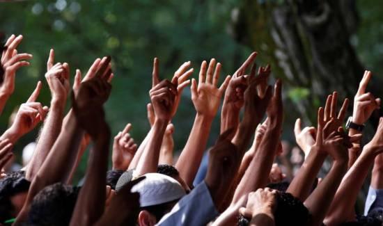 وقفة تضامنية مع الكشميرين أمام السفارة الهندية بإندونيسيا..
