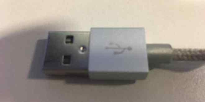 """دروس .. تحذير عاجل: لا تستخدموا كابل """"USB"""" سوى بهذه الطريقة"""