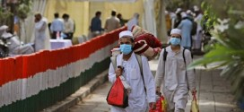 """حملة هندوسية ضد مسلمي الهند تتهمهم بـ""""الجهاد البيولوجي"""" لنشر كورونا!"""