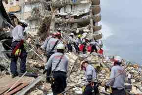 """""""كارثة ميامي"""".. 4 قتلى و159 مفقودا بانهيار البرج السكني"""