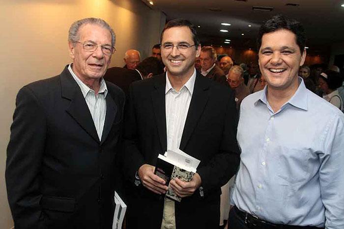 Aylmer Chieppe, Café Lindenberg e Ricardo Ferraço no lançamento de Memórias do Meu Tempo
