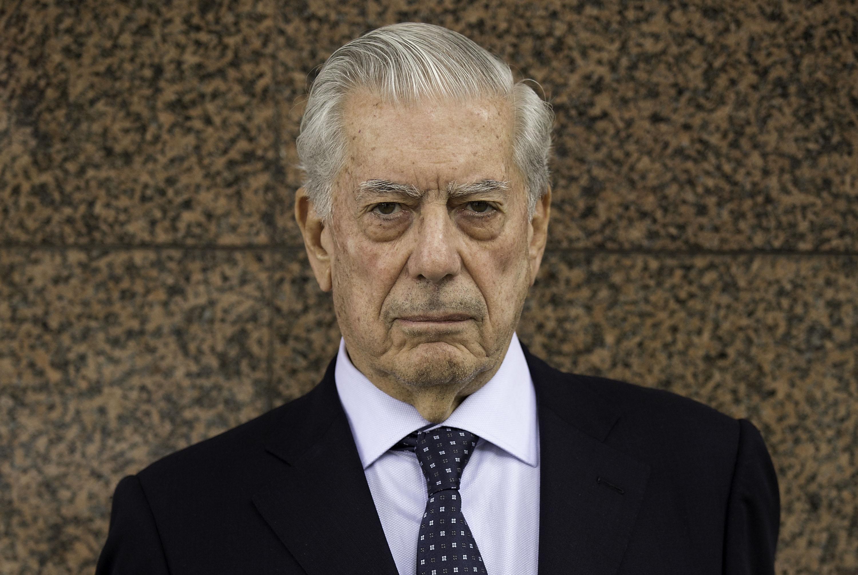 El escribidor Mario Vargas Llosa complicado por los Papeles de Panamá