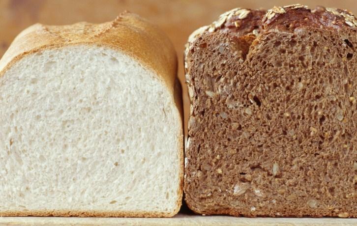 ¿El pan integral es más sano que el pan blanco? Nuevo estudio lo desmitifica