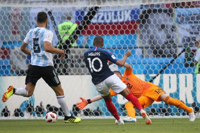Francia vence a Argentina