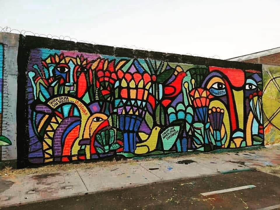 Gran asistencia a taller de arte de la Brigada Ramona Parra en la U. Abierta de Recoleta