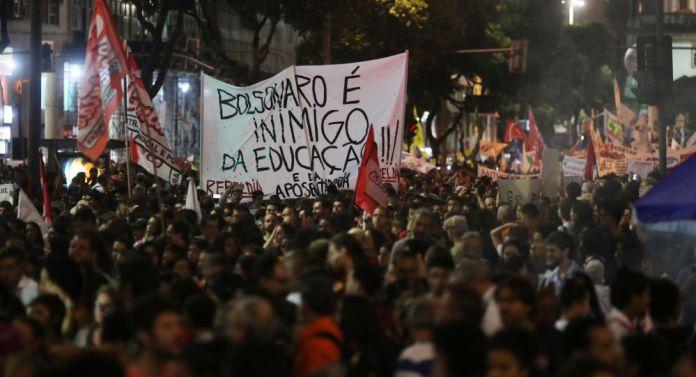 Bolsonaro estudiantes