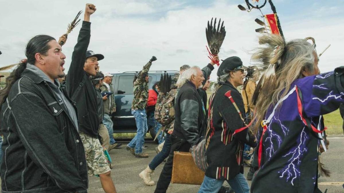 Juez de EE. UU. falla a favor de indígenas Sioux y ordena el cierre temporal del oleoducto Dakota Access