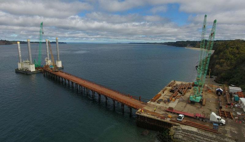 Por daños ambientales: Pescadores artesanales presentan millonaria demanda contra holding que construye el Puente Chacao