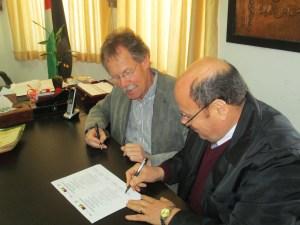 Signing the partnership