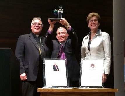 Bishop Munib Younan receives 2014 Civis Mundi Award