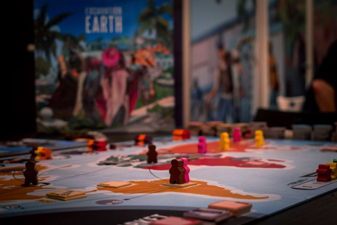 Excavation Earth Juego de mesa