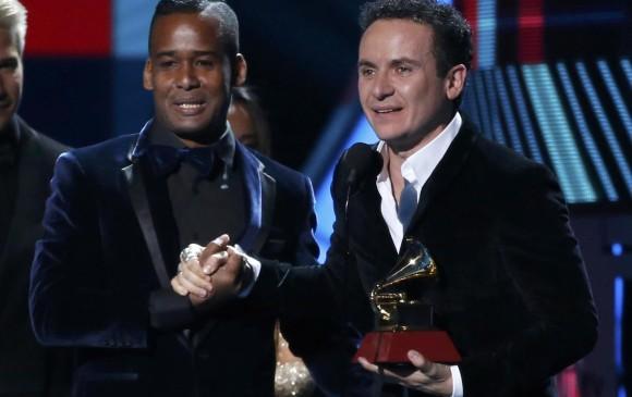Fonseca agradeció a sus compañeros de trabajo en la composición y arreglos de Vine a buscarte, canción con la que ganó un nuevo Latin Grammy. FOTO Reuters