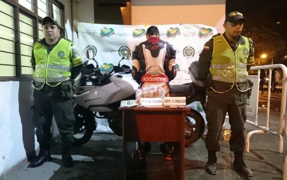 Un sujeto fue sorprendido movilizando estupefacientes al interior de una motocicleta de alta gama en la vía Popayán-Timbío. FOTO COLPRENSA
