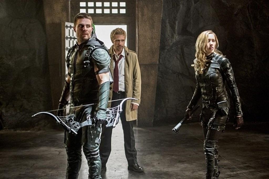Imagen del crossover de Constantine en el Arrowverso