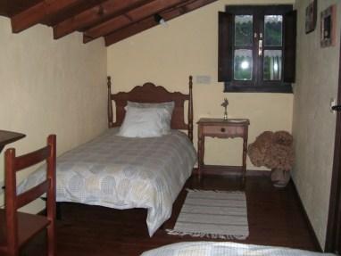 Cotagge-El-Correntiu-bedroom (2)