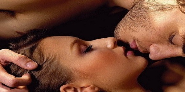 10 FACTS ABOUT KISSING