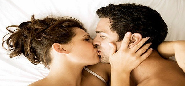 15 THINGS YOU DIDN'T KNOW ABOUT KISSING