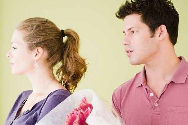 6 REASONS WHY EXES KEEP COMING BACK