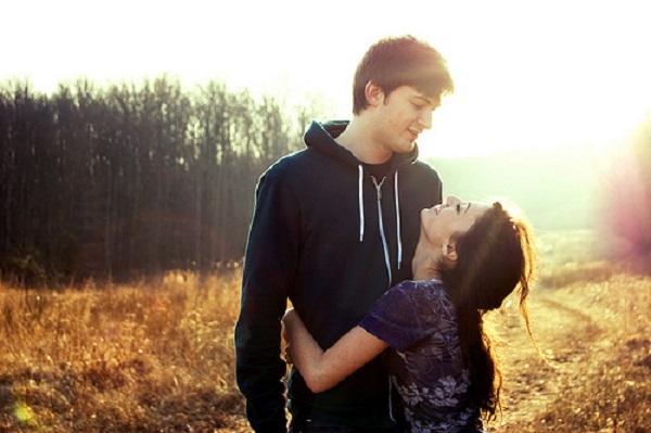 short girl tall guy kiss