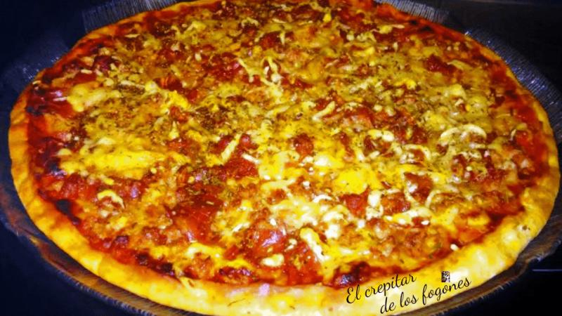 PIZZA DE TERNERA Y BACON A LOS CUATRO QUESOS