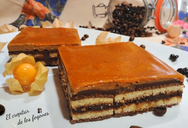 PASTEL DE MOKA, CHOCOLATE Y GELATINA DE PHYSALIS