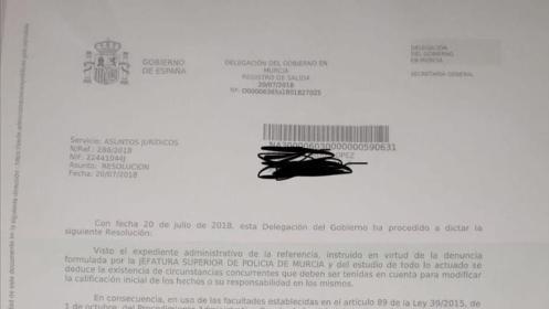 """""""Comer pipas y mirar de forma desafiante a la policía"""" en las vías de Murcia ya no es ilegal"""