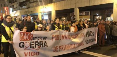 Una de las pancartas que desfilaron en la manifestación de Vigo