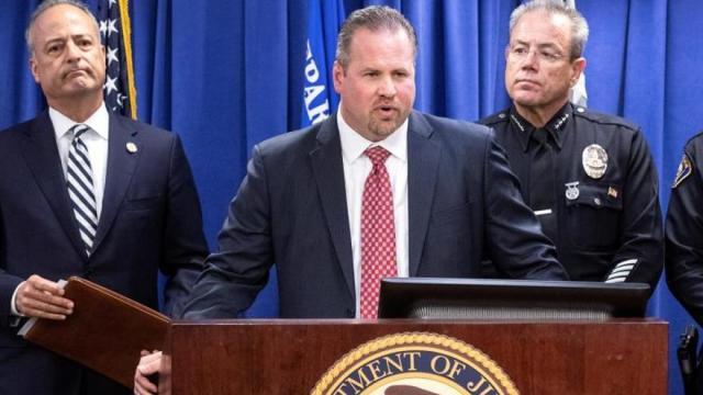 Detienen a un exmilitar que planeaba un atentado multitudinario en California