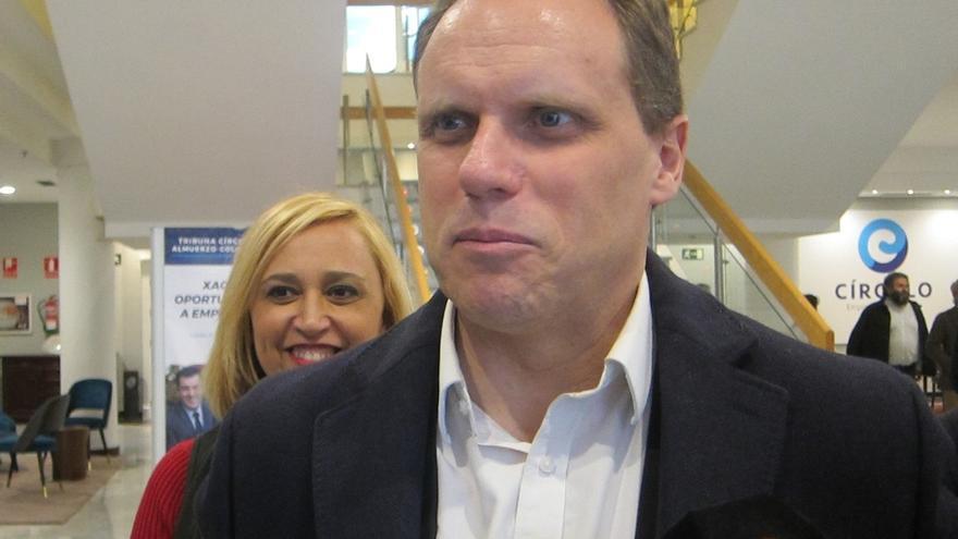 El economista Lacalle también renuncia a su acta de diputado del PP en el Congreso y permite que entre Mari Mar Blanco