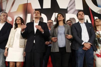"""Rivera afirma que Ciudadanos vigilará a Sánchez desde la oposición y que """"más pronto que tarde"""" gobernará"""