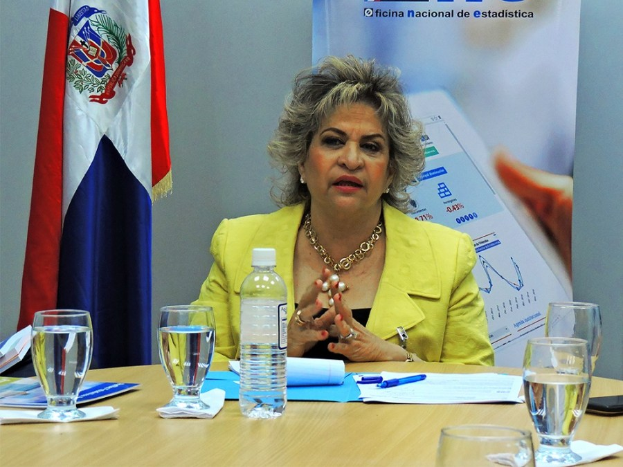 alexandra izquierdo directora nacional de estadistica 3