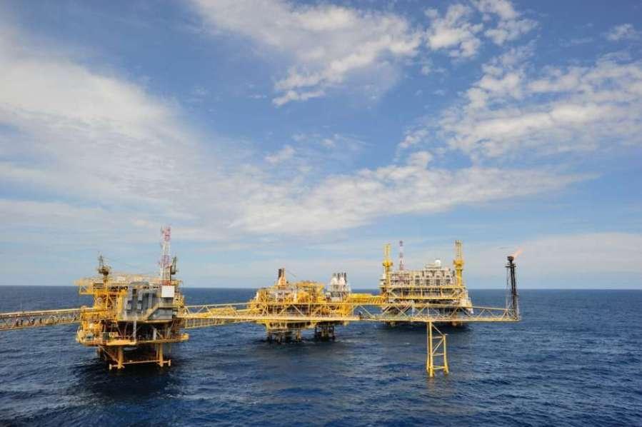 petróleo fuente externa