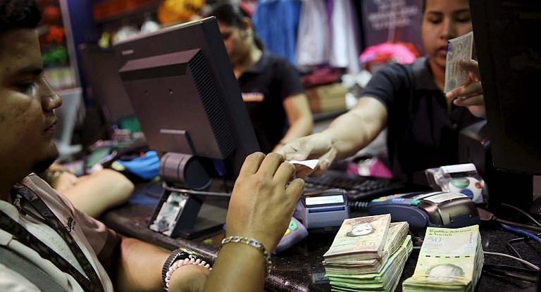 La economía venezolana se contrajo 50% desde 2013, dice Parlamento
