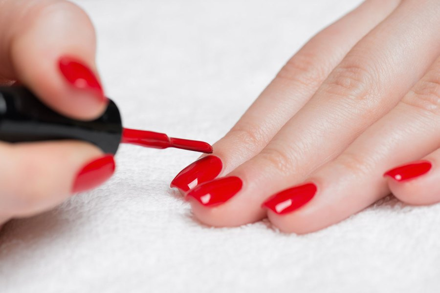 Los esmaltes de uñas han llenado los bolsillos a la industria de la ...