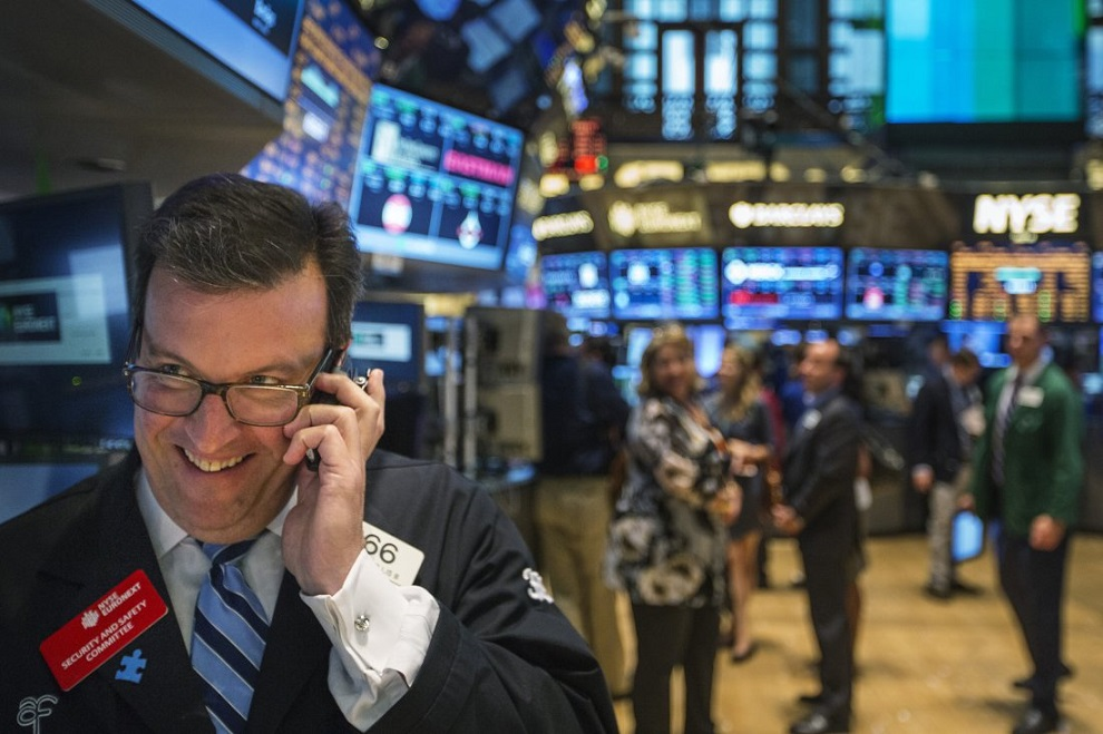 Wall Street cierra con pérdidas tras aumento de tensiones comerciales